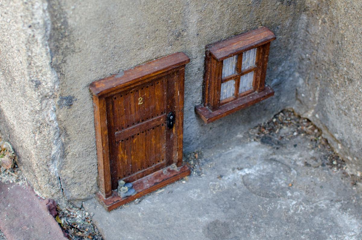Dinky doors