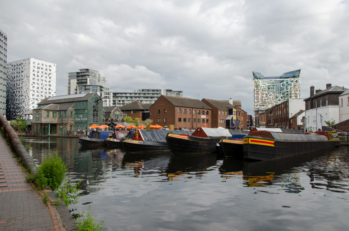 Bateaux sur canal