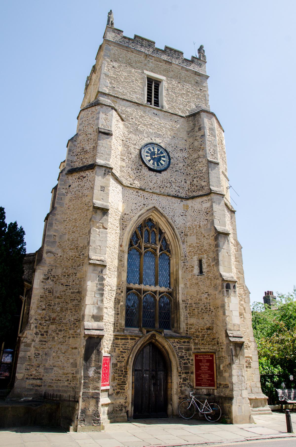 Tour d'une église